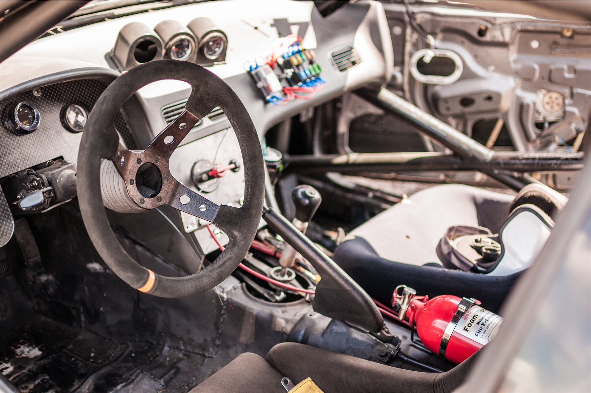 car-2624903_1920